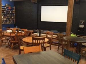 Le bistro-cinéma La Capsule est ouvert!