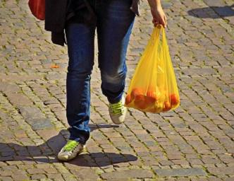 Bannissement des sacs d'emplettes : La fin des sacs minces à Brossard, pas la fin du monde