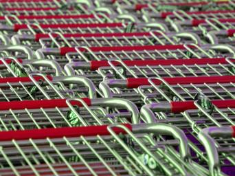 La bataille continue dans les commerces de détail